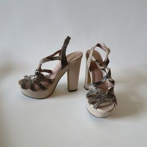 VINCE CAMUTO VC-DECO NUDE SANDAL SNAKESKIN PRINT 7
